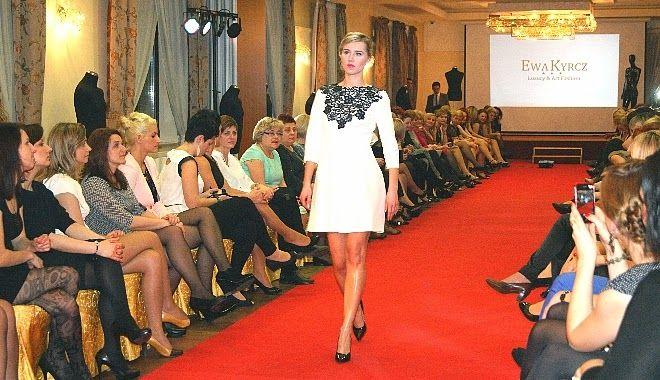 Ewa Kyrcz Luxury&Art Fashion POKAZ MODY / FASHION SHOW  #elikshoe #kolekcjonerka_butow #EwelinaBednarz #shoes #fashion_show #luxury&art_fashion  #catwalk #gwiazdy #celebrity #ewa_kyrcz #fashion #models
