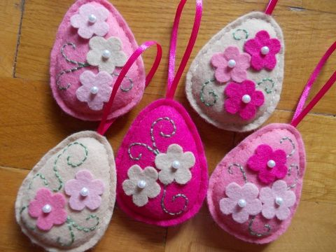 Húsvéti filc dekoráció, 5 db virágos tojás, Dekoráció, Húsvéti apróságok, Otthon, lakberendezés, Ünnepi dekoráció, Varrás, Meska