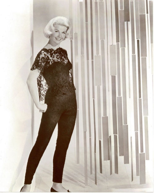 Midnight Lace promo. 1960. When I 1st saw this movie (in the 90's) I fell in love with this ensemble. It's a dream outfit to have.