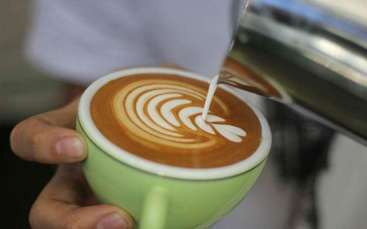 Kahve Sanatı Aşkına Latte Köpüğüyle Ejderha Çiziyoruz - Yemek.com