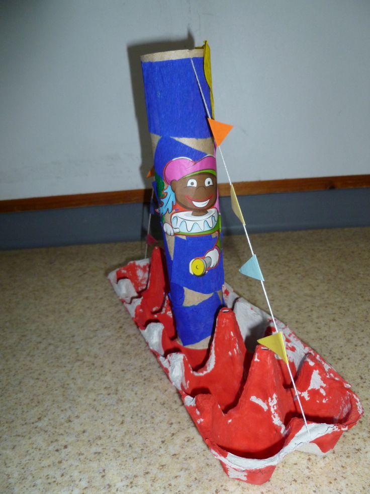 Stoomboot van eierendoos en vlag