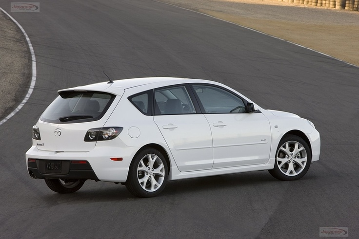 Mazda3 5-door, looks like one of my friends car