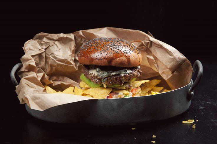 Tuban ehdottomasti suosituin tuote ovat meidän burgerimme. Päivittäin käsinleivotut sämpylät, lähialueen pihviliha, laadukkaat raaka-aineet, innovatiiviset ratkaisut ja ammattitaito ovat sal…