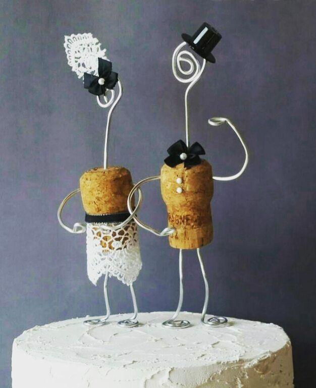 10 Verruckte Und Ausgefallene Hochzeitsideen Hochzeitskiste Hochzeitstorte Figuren Hochzeit Torte Hochzeit