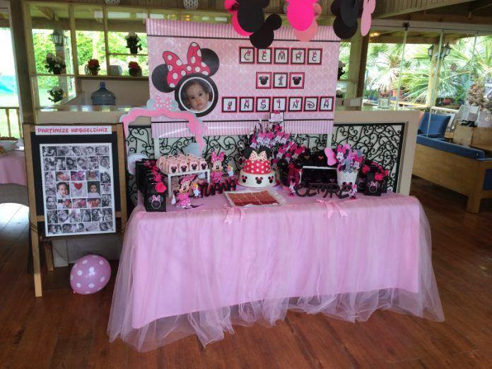 1 Yaş Doğum Günü Masa Süslemesi Örnekleri ve Fikirleri