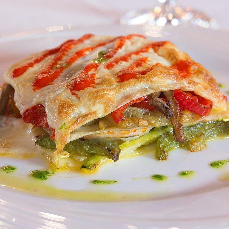 Cocinando Lasaña Rellena de Marisco y verduras con salsa de espumoso.  #boda #bodas #bodas2016 #bodas2017 #bodaslorca #enlaces #wedding #fincas #hotel #hoteles #fincasparabodas #fincasbodas #eventos #lorca #purias #velezrubio #huercalovera #pulpi #aguilas #totana #alhamademurcia #murcia #comunion #comuniones #comuniones2016 #eventosempresarialesexclusivos by hrlosolivos