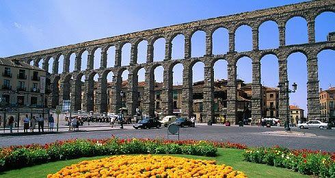 Acceso directo a Segovia - Turismo - Tres bellezas: El Acueducto ...