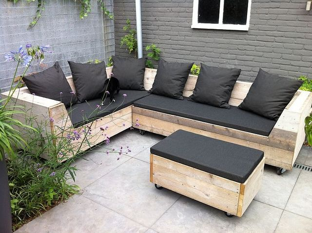 Hoekbank / Tuinbank / Loungebank (200 x 275 cm) | Te koop by w00tdesign, via Flickr
