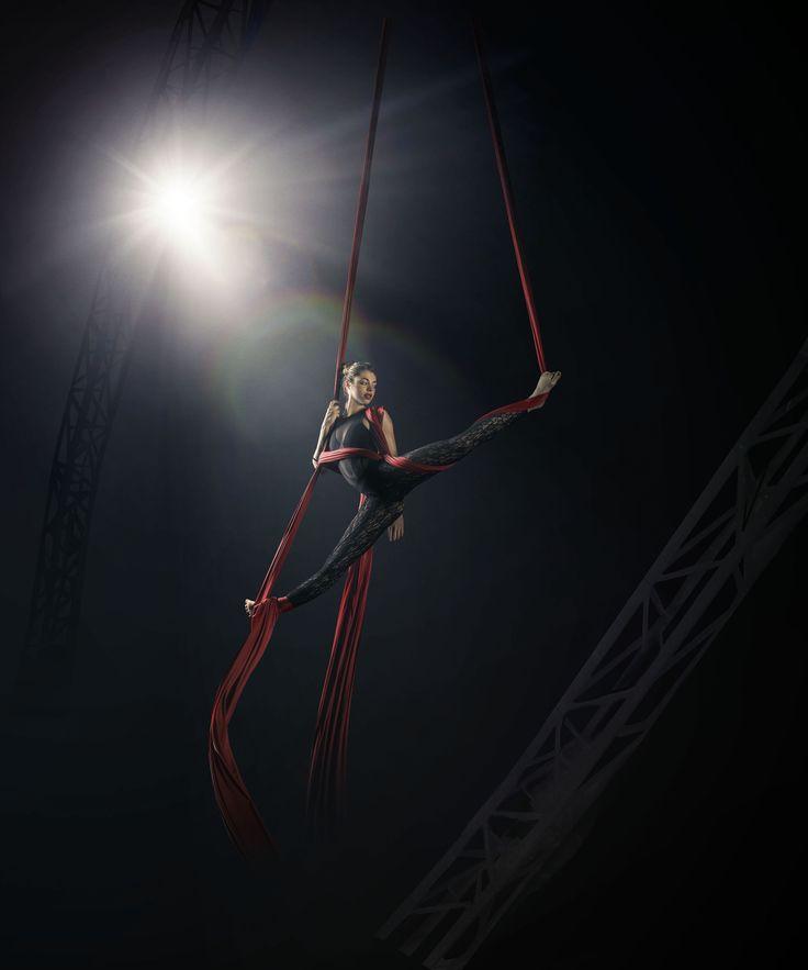 Marta // copyrighted GIACOMO BIAGI   #tessuti #aerei #night #shooting #work #freestyle