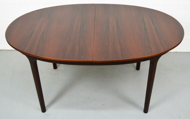 Mid-Century Extendable Oval Rosewood Dining Table from McIntosh  for sale at Pamono