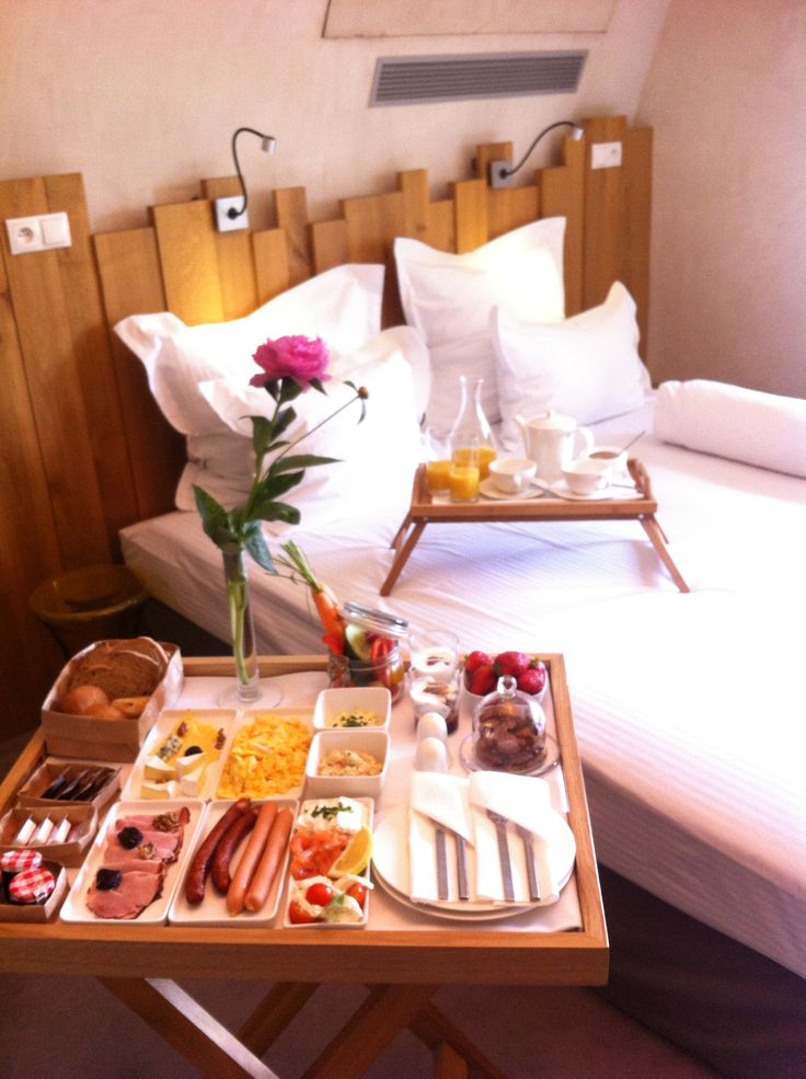 hotel breakfast in bed  #breakfastinbed #bed #breakfast #flower #niceday #nicestart