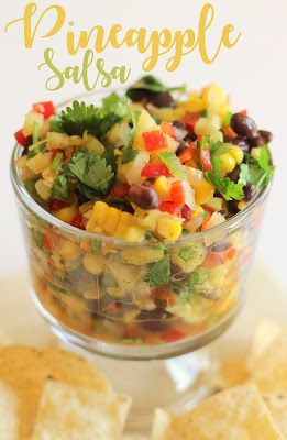 What a crowd pleaser!  Pineapple salsa is perfect with chips or on fish or chicken.  Amazing! #tropical #Summer