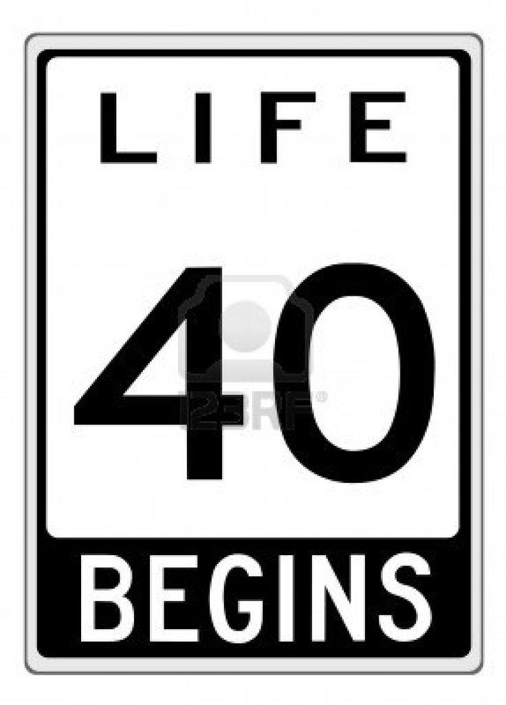 La vie commence à 40 ans-TY. Inscription faite comme une illustration panneau routier. Banque d'images