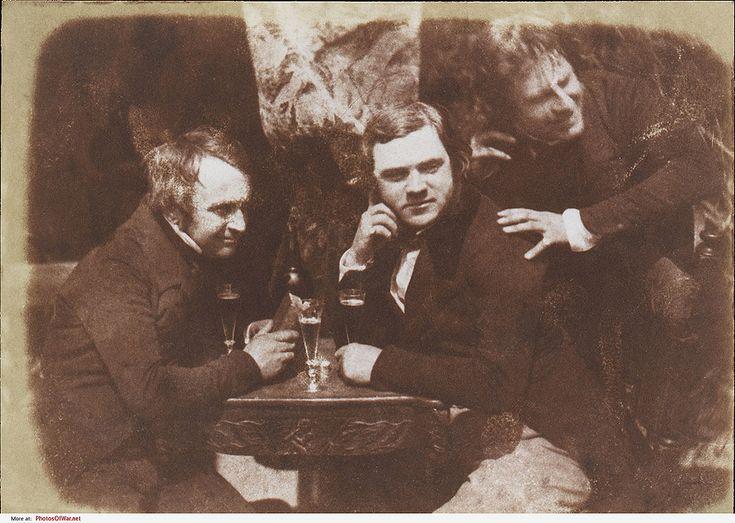 Самая первая из известных фотографий, на которых человек пьет пиво, эдинбургский эль, 1844 год.