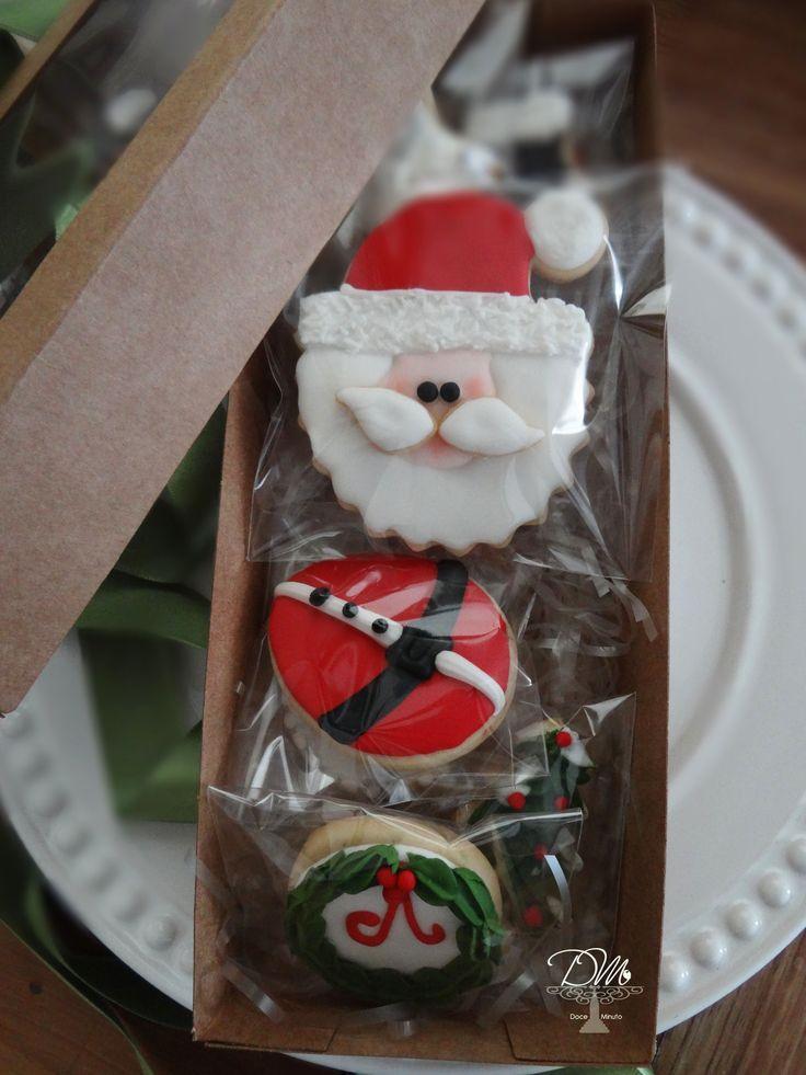 Cookies decorados para o Natal. Delicioso e lindo presente. Decorated cookies for  Christmas's gifts.