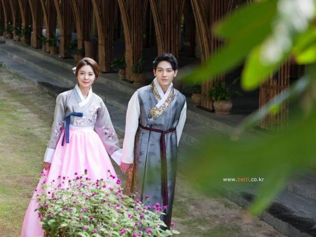 한복 Hanbok : Korean traditional clothes[dress] #ModernHanbok #Wedding #Hanbok #한복