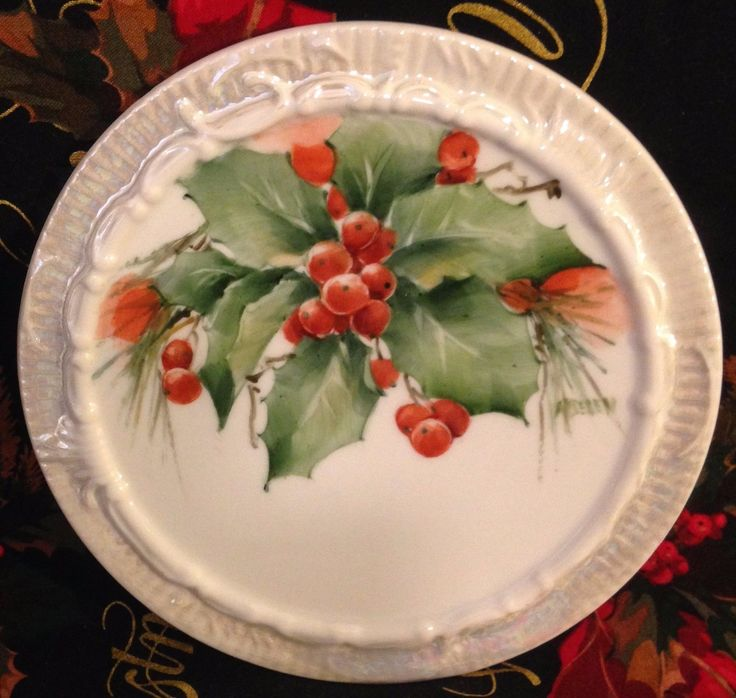 (CHRISTMAS HOLLY. There are holes on the back for hanging. What a terrific addition to your collection or a great gift! The piece is artist-signed. United States. ). | eBay!