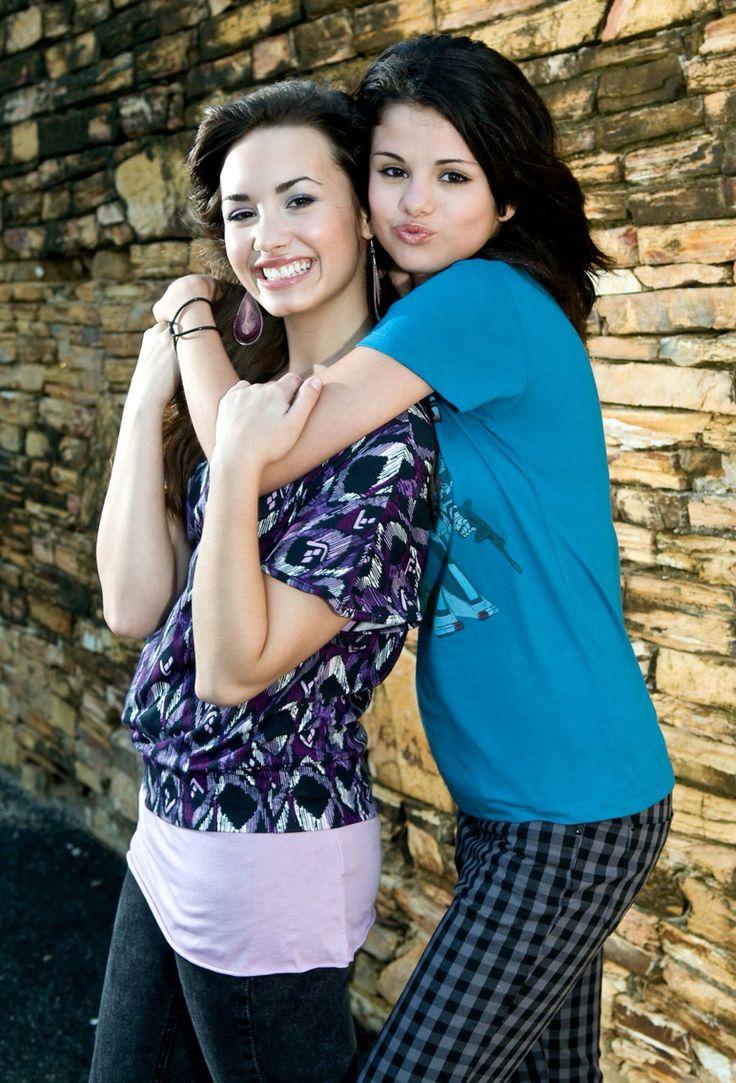 A Brief History Of Selena Gomez And Demi Lovato s Complicated Friendship