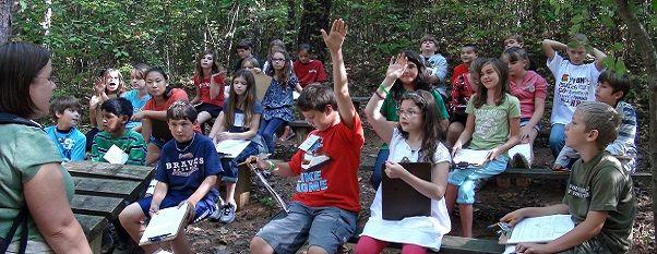 Clases al aire libre, suben el rendimiento escolar