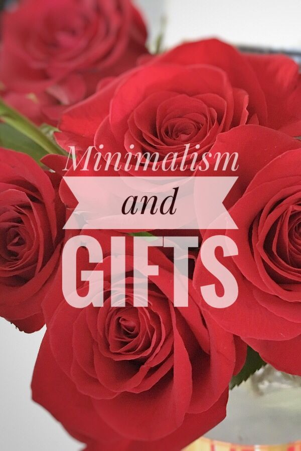 Minimalism and Gifts - Art as the Anchor: Gift giving and minimalism can work together, keep reading to find out how!