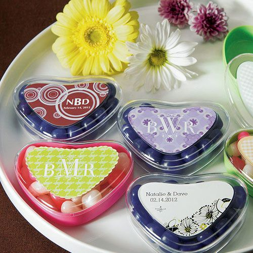 Heart shaped containers and loads of customizable stickers to coordinate with your decor scheme or selected filling #diywedding