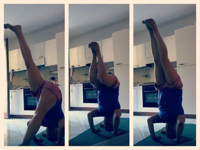 Not for yoga addicted.,  Per caso ho incontrato lo yoga..   #Yoga #Shirshasana #verticale sulla testa  #headstand #yogabalance #yogalove #ashtanga