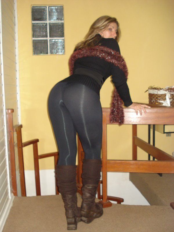 tight-sexy-black-pants-porn