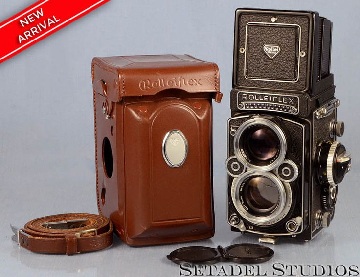 This Rollei Rolleiflex 2.8F Carl Zeiss Planar lens white face camera in excellent condition cosmetically mechanically and optically. Cosmetically very clean; no dings, dents or major marks. Camera bod