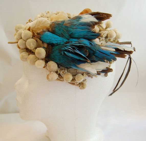 1940s-1950s Lilly Dache Couture Label cocktail hat with a gorgeous faux bird. #vintage #hats #fashion