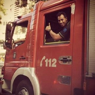 David. Todo un bomberazo. Solo te falta ir silbando a trabajar. Que crack !! :)