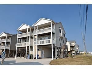 Topsail Island rental: Volusia Drive 121 - Oceanview 4 bedroomsduplex in North Topsail Beach,