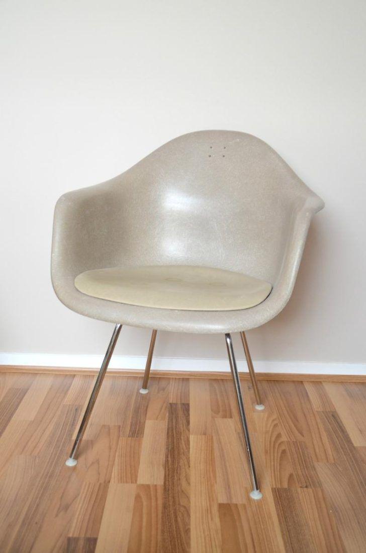 Interior Design Fauteuil Eames Fauteuil Eames Herman Miller Vitra 794xn Uya0 Meuble En Metal Imitation Pas Cher Rid Fauteuil Eames Mobilier De Salon Chaise Dsw