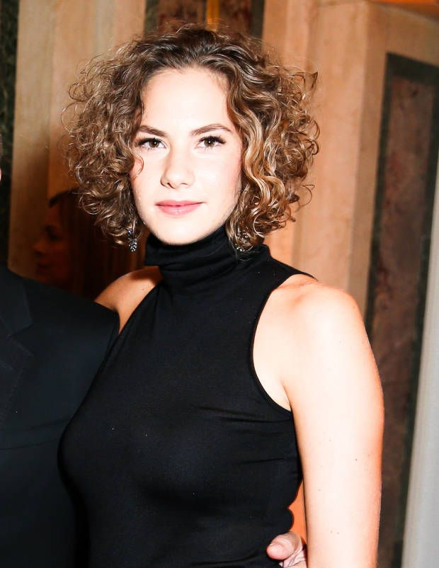 Curly hairstyle    - Emma Ferrer - Town & Country Magazine