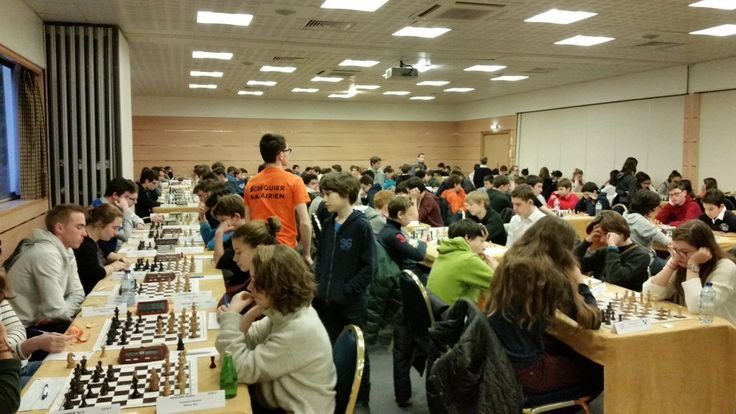 Les jeunes joueurs d'échecs de la ligue Pays de la Loire en pleine action lors du championnat régional le mois dernier.