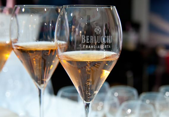 In the mood for rosé. Berlucchi Franciacorta exclusive sparkling wine #BerlucchiMood