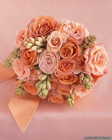 Bouquets de mariée couleur pêche
