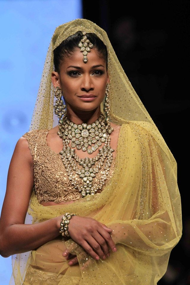 Carol wearing Bholasons jewellery at #IIJW 2013 perfect for an Indian Bride