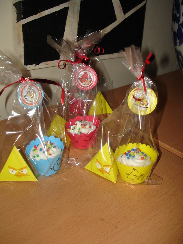 cupcakes and m&m in yellow angry bird pack