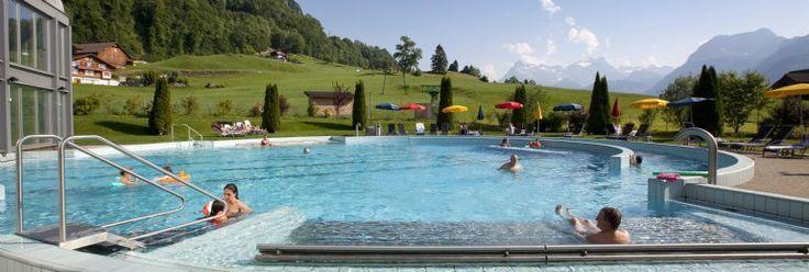 Openluchtzwembad op Landal Vierwaldstättersee   Vakantiepark in Morschach - Centraal Zwitserland