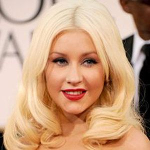 Christina Aguilera wiki, affair, married, Lesbian with age, height