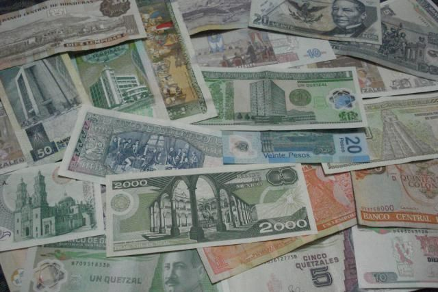 What Kind of Money Do I Use in Spanish-Speaking Countries?: Money from Mexico and Central America.
