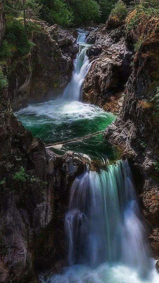 Secret Tegenungan jungle Waterfall, Bali, Indonesia (With