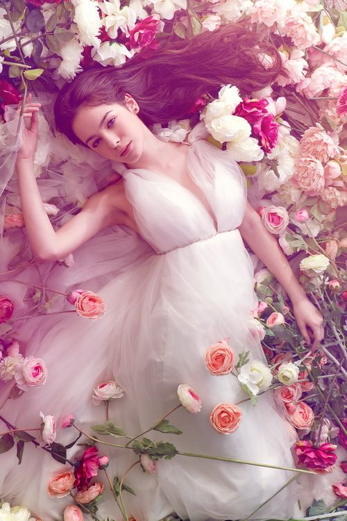 TumblrSleep Beautiful, Dresses Wedding, Rose, Wedding Dressses, Dreams, Wedding Gowns, Wedding Photos, Flower Beds, Little Princesses