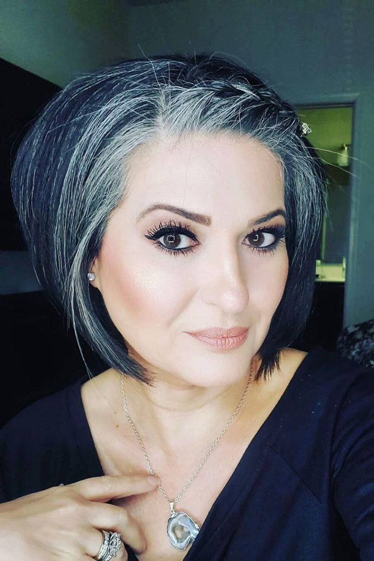 GORGEOUS GRAY HAIR STYLES FOR TRANSITIONING HAIR [Video ...