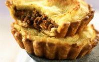 Pour préparer de délicieuses tartelettes au hachis parmentier, suivez la recette facile du chef Cyril Lignac.