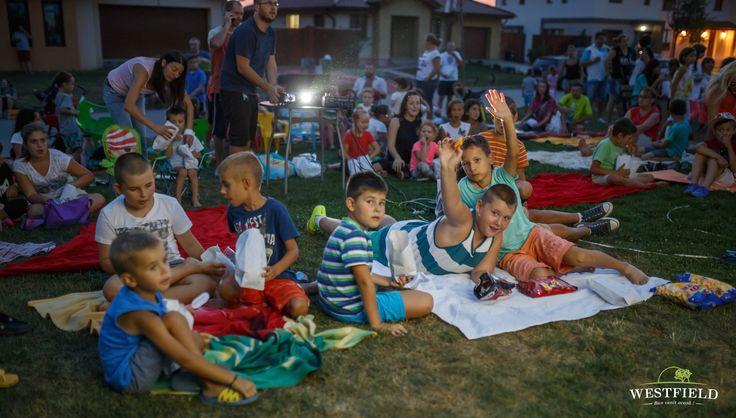 Pregătiți de film în aer liber. #westfield #residential #outdoorMovie #minions #happiness #kids #fun #family