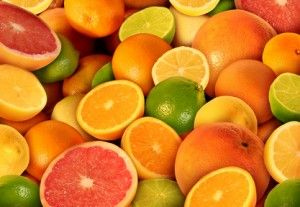 柑橘系のフルーツを食べてビタミンCを摂取、肝臓の働きを助けます。泥酔 対処法