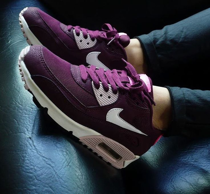 Sneakers femme - Nike Air Max 90 (©onfeet)