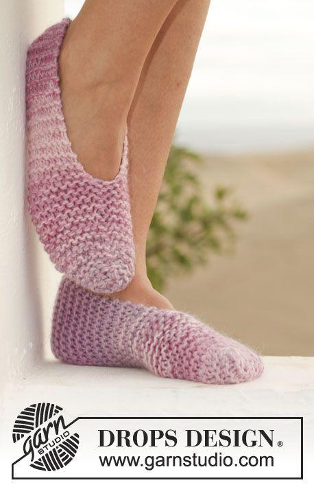 """Chaussons DROPS chaussons au point mousse, tricotés avec 2 fils """"Big Delight"""". ~ DROPS Design"""