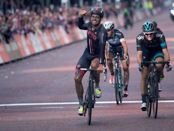 Adam Blythe pips Ben Swift as Brits dominate Prudential RideLondon-Surrey Classic